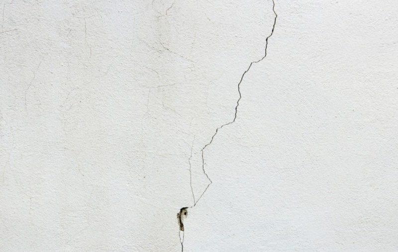 Mengatasi Sendiri Tembok Rumah Yang Retak Tanpa Tukang